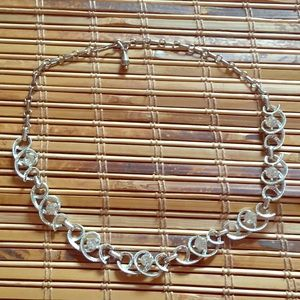 Jewelry - Beautiful Silver Vintage Crystal Swirl Necklace